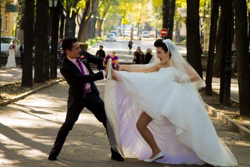 92%が経験!? 結婚が決まると女子に立ちはだかる「想定外」な壁