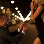 イマドキ「プロポーズの実態」赤裸々な現実…31%が寝る前に!?