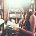 ちょっと無理かも…男が「彼女の本棚にあったら引く本」4ジャンル