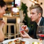 男が「プロポーズしたい時に着る服」…64%が選んだ圧倒的1位は?