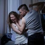 言葉だけじゃ離婚できない!? 「モラハラ&DV夫」と離婚する方法