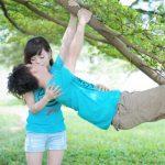 女性が上のときは横から…?「体位」で変えるべきキスの仕方4つ