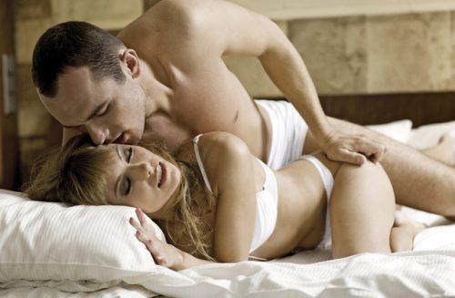 ベッドに問題アリ! 情熱的に押し倒されても「抵抗しちゃう」理由