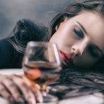 ヤっちゃった~!「酔った勢いで元カレにLINE」が導く魔の5段階