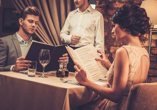キーワードは「初めて」…成功するレストランデートの秘訣とは?