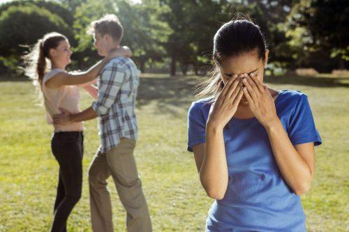 浮気しない彼氏だったのに!「するようにさせちゃう」彼女の行為3つ