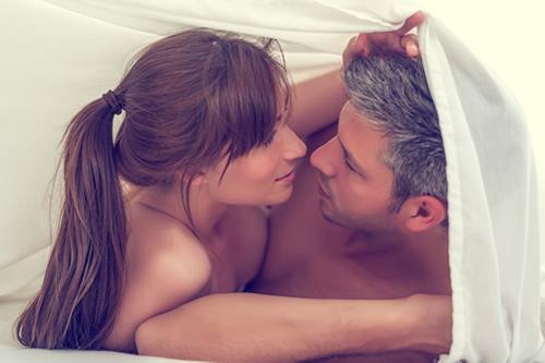 「愛し合う二人はいつも一緒」の愛し合うはセックスのこと?愛し合うの意味と「愛し合う」方法